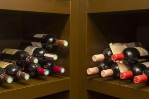 Cave à vin (agencements) = INDIV